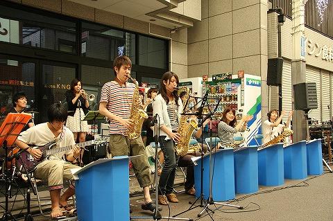 三条会商店街50周年イベント ジャズバンド2