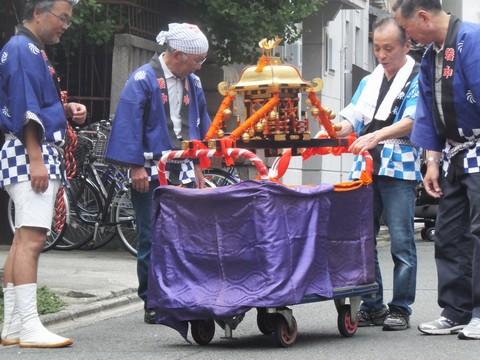 武信稲荷神社子供神輿