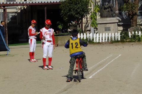 交通安全教室 京都フローラの選手